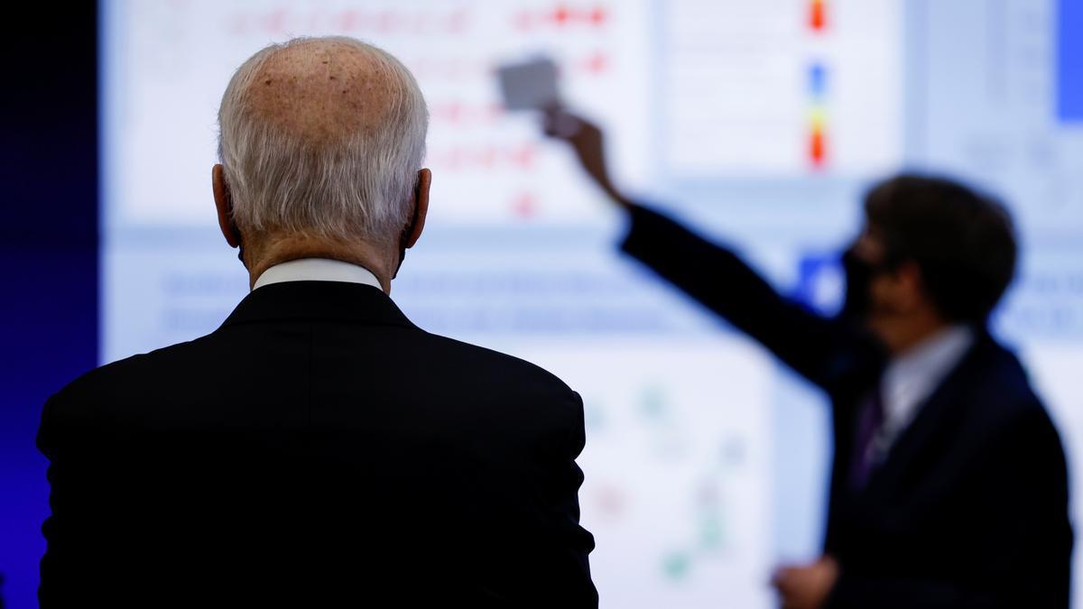 Joe Biden visita el Centro de Control de Enfermedades de EEUU