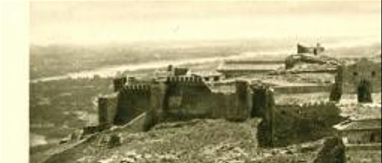 Vista general del Castell de Sagunt a principis del segle xx.