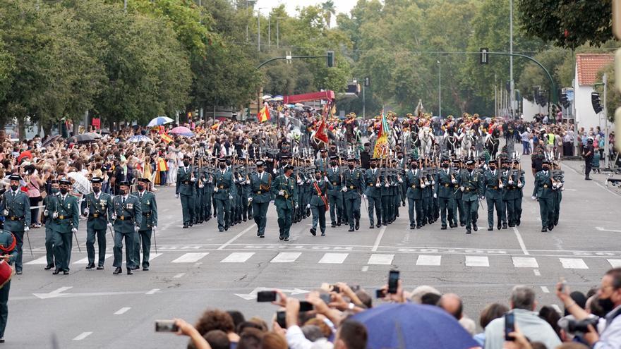 Parada militar y desfile de la Guardia Civil en Córdoba