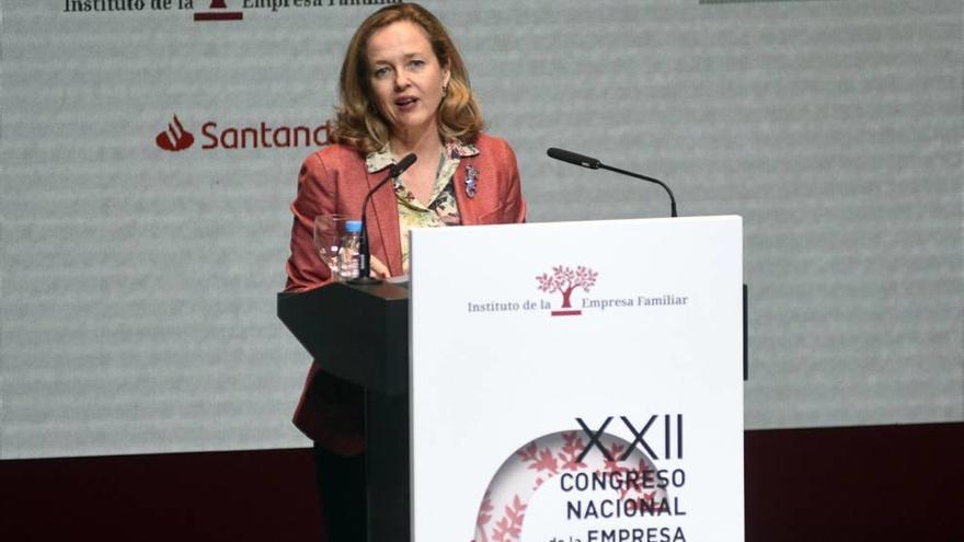 Nadia Calviño responsabiliza al Gobierno regional del Mar Menor