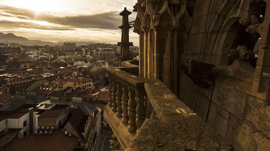 Oviedo apuesta fuerte por el Xacobeo: Subir a la torre de la Catedral será el principal reclamo para los peregrinos