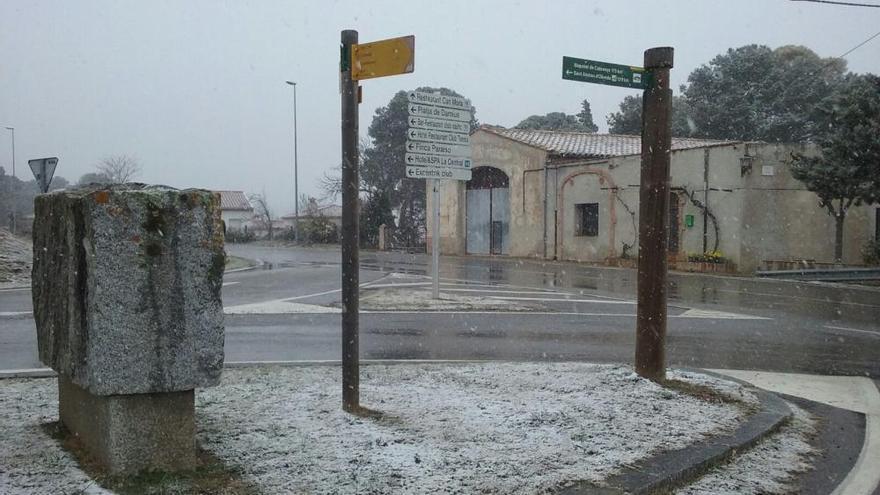 Protecció Civil fa una crida a no baixar la guàrdia davant l'episodi de neu que es podria allargar
