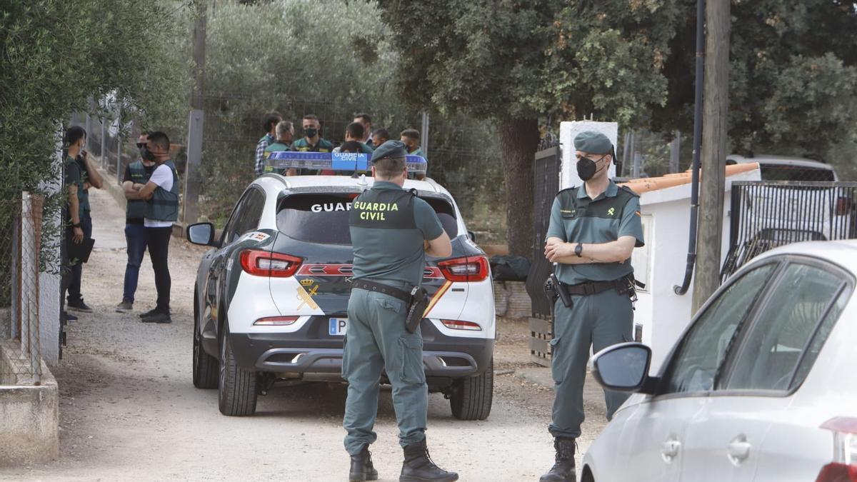 La Guardia Civil conduce al acusado de matar a Wafaa a un nuevo registro