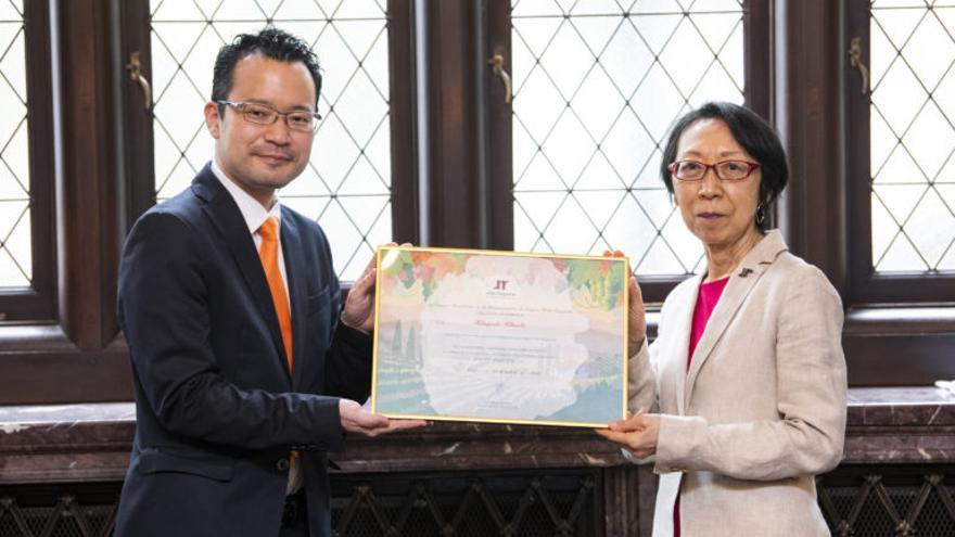 La Denominación de Origen Utiel-Requena nombra a su embajador de marca en Japón