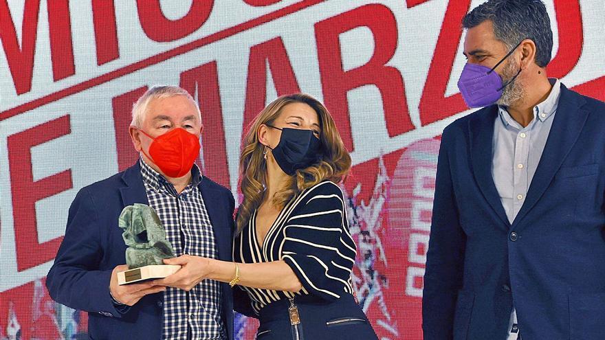Yolanda Díaz recibe un premio de CC OO y reivindica el valor del sindicalismo