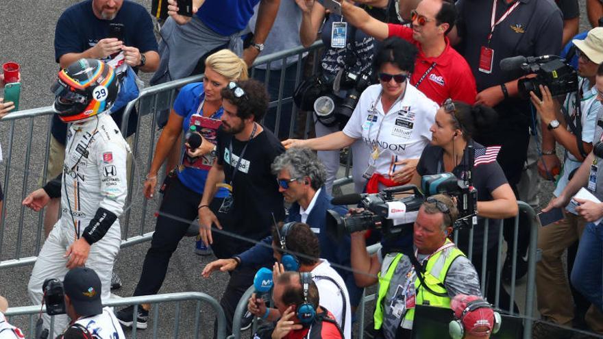 """Alonso: """"Merecíamos haber acabado la carrera"""""""
