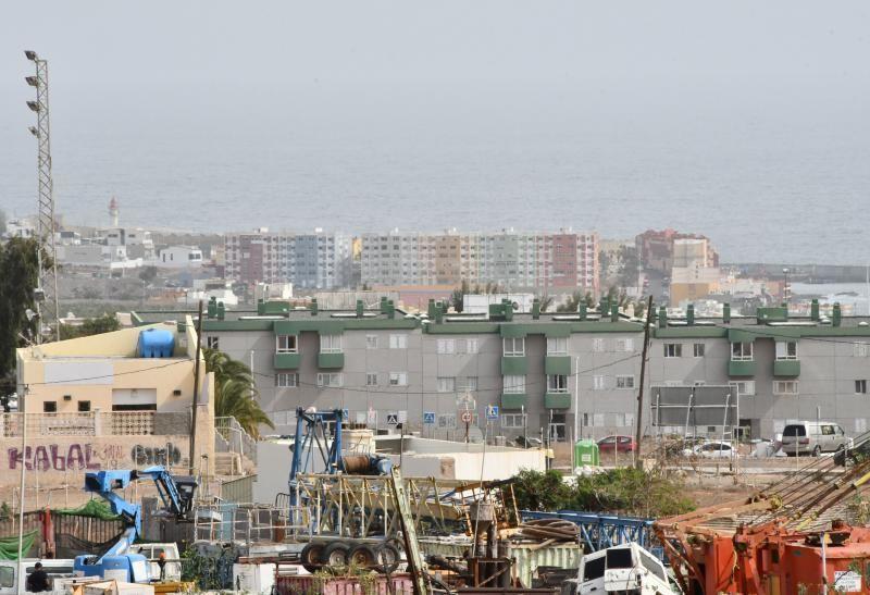 14/02/2020 TELDE.  Vistas del municipio desde Lomo Los Frailes con calima. COSTA MELENARA EDIFICO LOS MARINOS.  Fotógrafa: YAIZA SOCORRO.  | 14/02/2020 | Fotógrafo: Yaiza Socorro