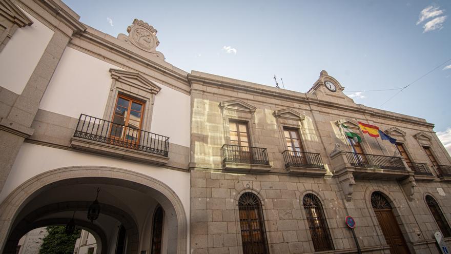El Ayuntamiento de Pozoblanco cierra 2020 con la bajada de la deuda municipal