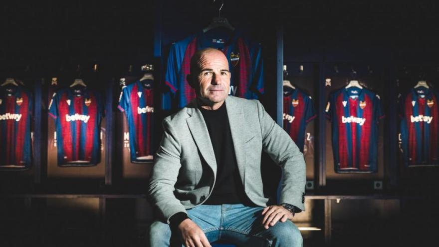 """Paco López, renovado: """"Quiero un Levante con un ADN reforzado"""""""