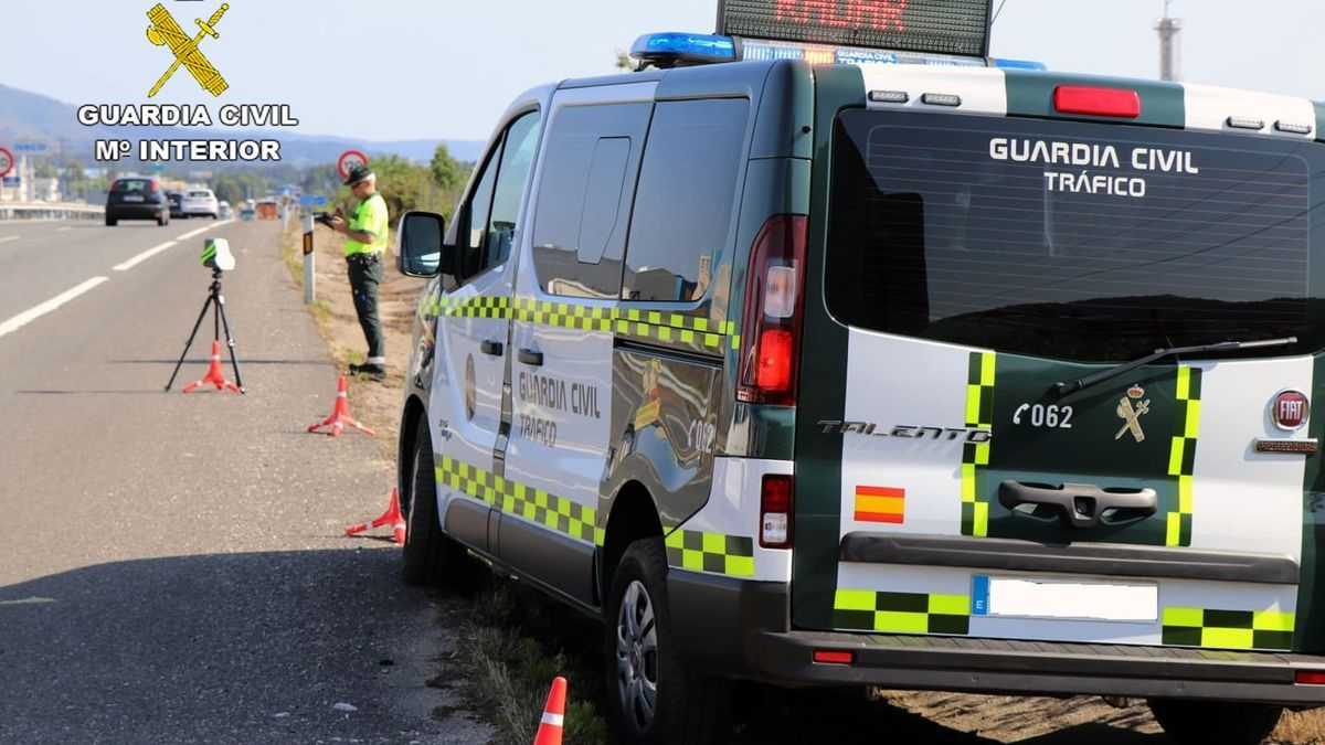 Guardia Civil sorprende a un turismo deportivo circulando a 253 km/h en un tramo de autovía