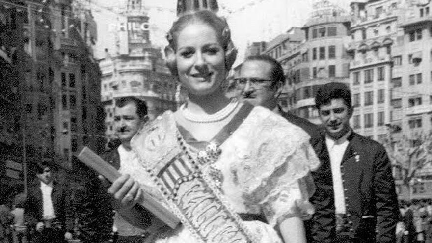 Cuando Concha Márquez Piquer fue fallera mayor de la Plaza del Pilar