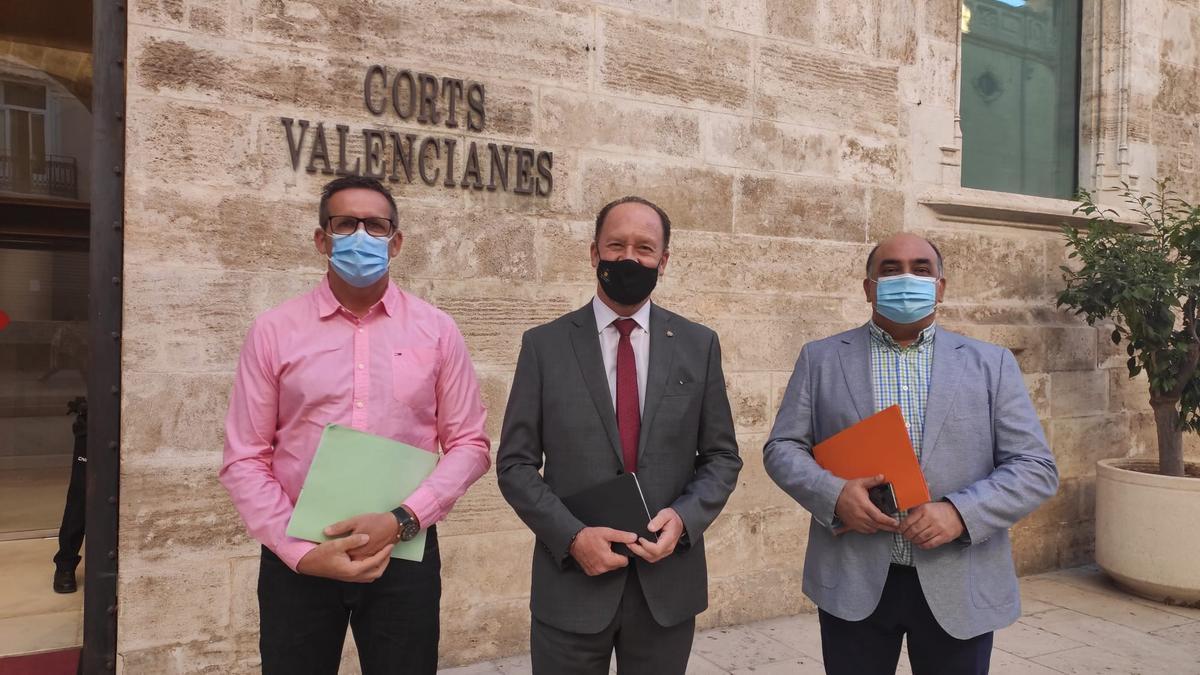 Esquiva, Bascuñana y Valverde, antes de entrar en Las Cortes
