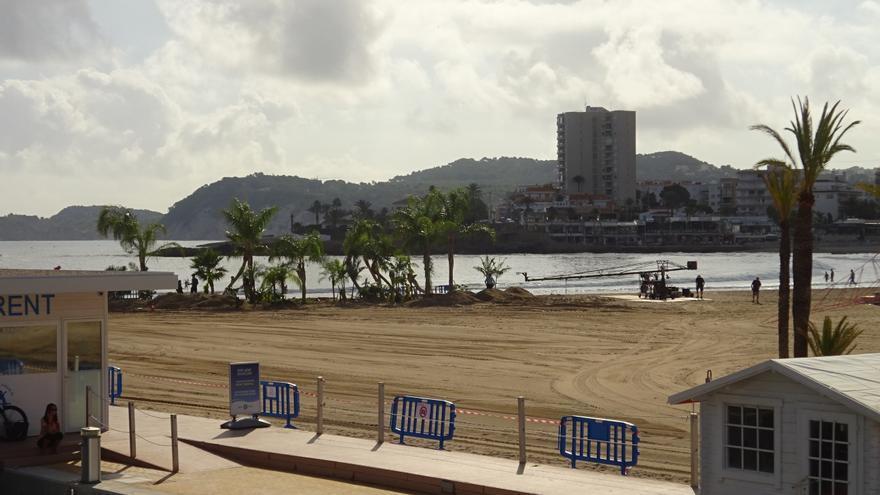 La playa del Arenal de Xàbia se convierte en un oasis para la película Uncharted