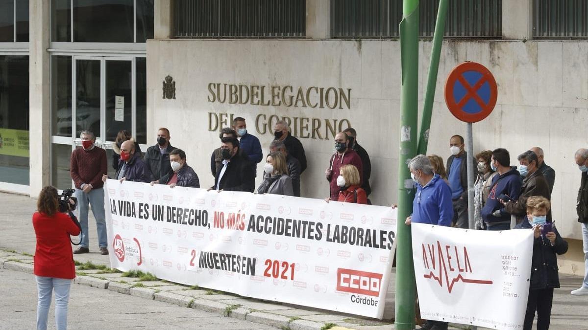 UGT y CCOO se concentran en Córdoba tras el último accidente mortal en el trabajo