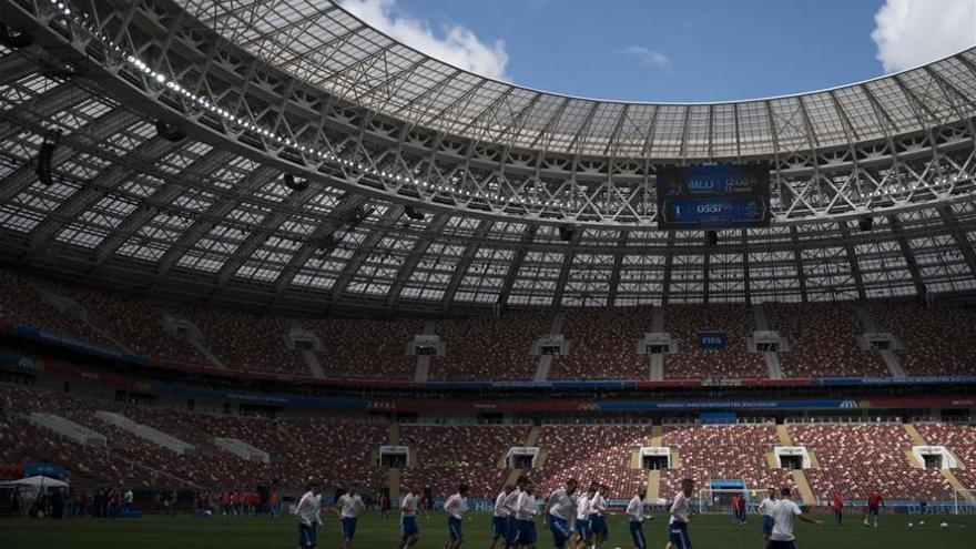 El Mundial echa a andar: Pizzi mide el sueño del anfitrión