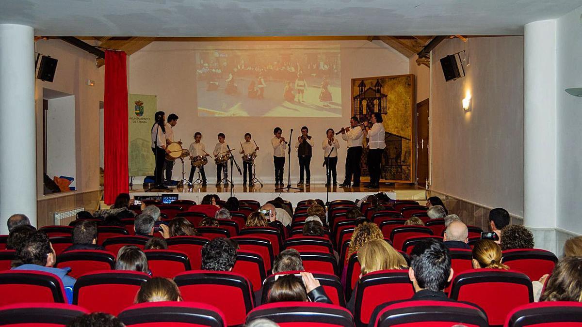Concierto en el Edificio del Reloj de Tábara, donde se impartirán las clases de música. | Ch. S.
