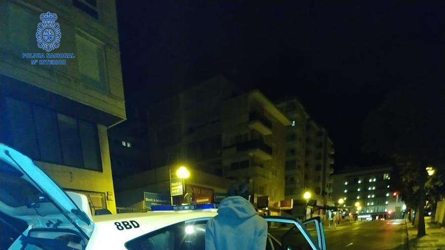 La Policía sorprende a una pareja robando en un local de Palma