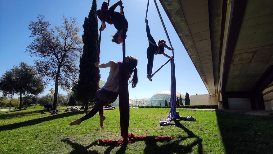 El deporte de moda en València, se practica en el aire