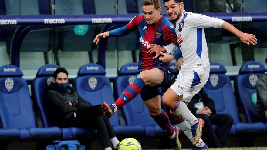 El Levante remonta al contragolpe (2-1)