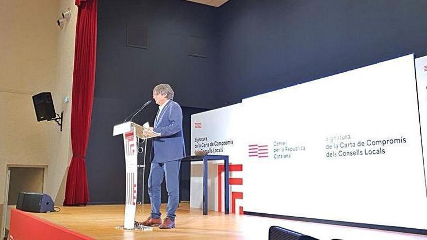 Puigdemont: «El procés polític per fer un país no es fa al despatx»