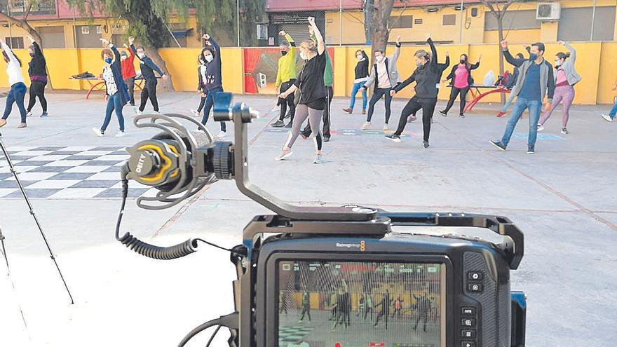 """Más de 3.000 alumnos participan en el programa """"L´escola dansa"""""""