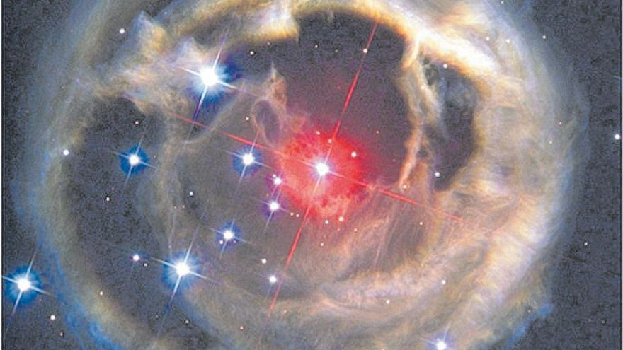 ¿Qué podemos encontrar entre  una supernova y una nova?