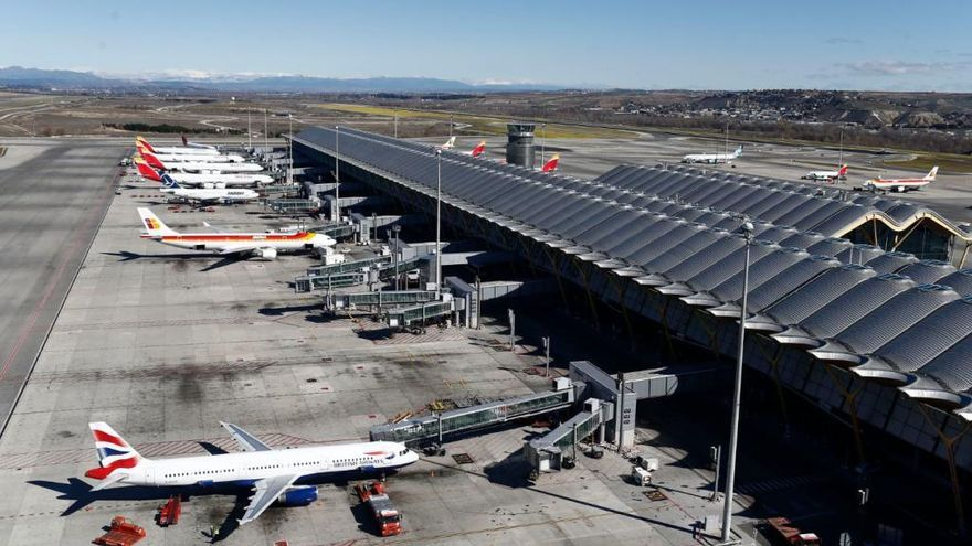 Desvían 7 vuelos a València tras el cierre de Barajas