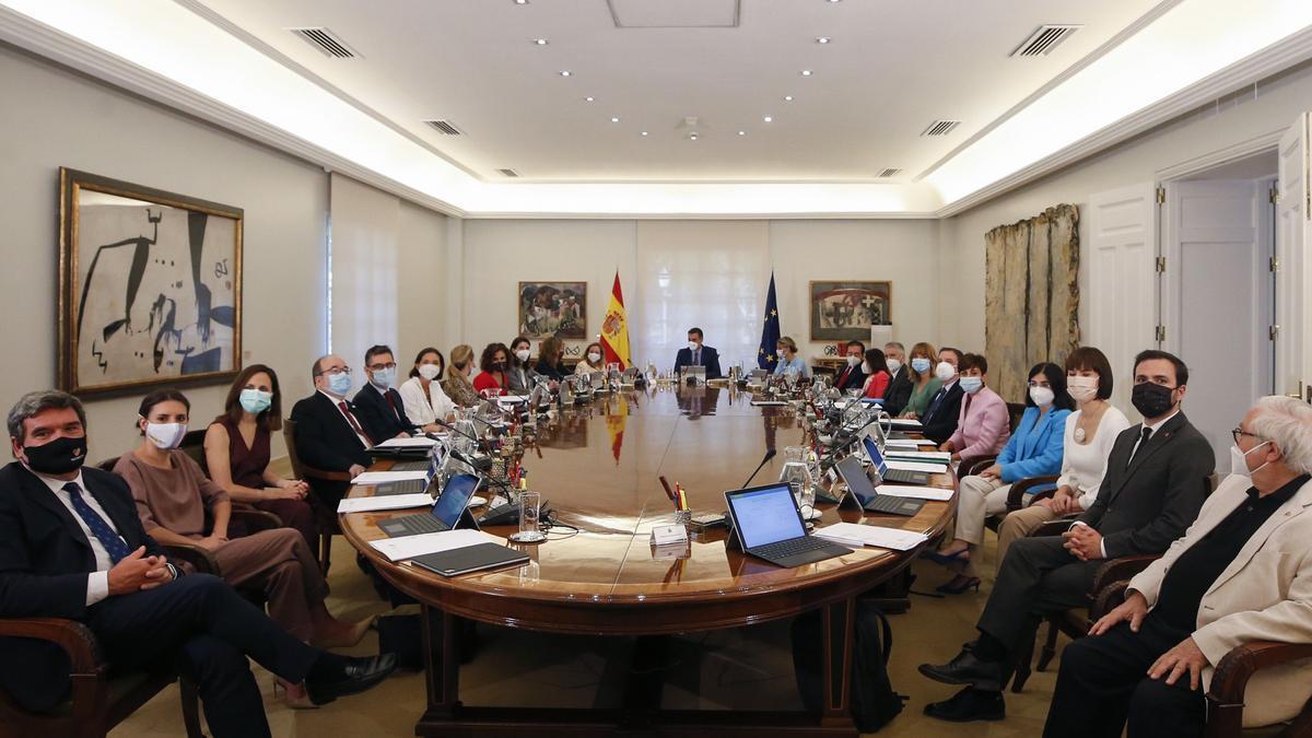 Primera reunión del nuevo Consejo de Ministros
