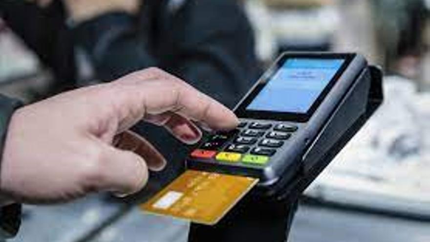 """Una avilesino recupera 42.978 euros de intereses de una tarjeta """"revolving"""""""