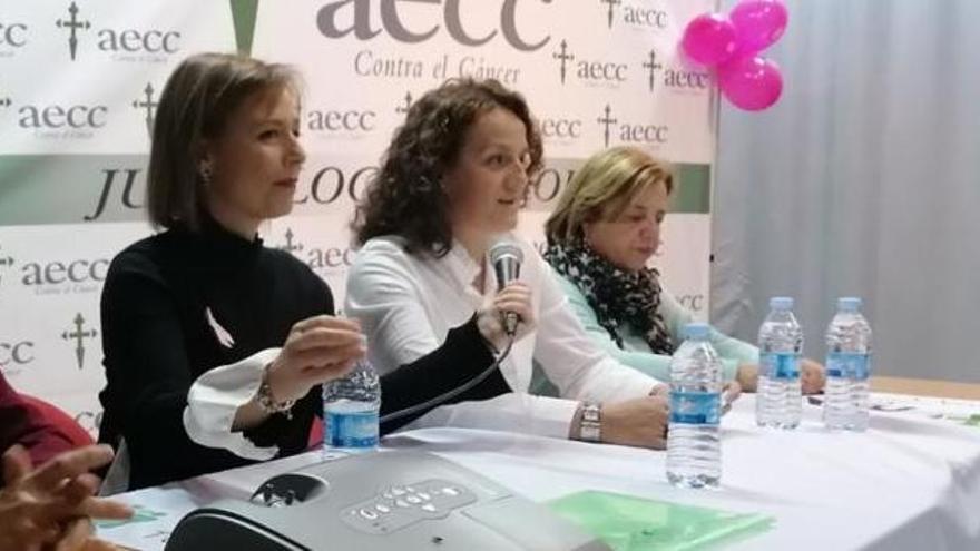 Día Mundial contra el Cáncer en Zamora | La AECC de Toro pide ayuda al Ayuntamiento ante el recorte por el COVID