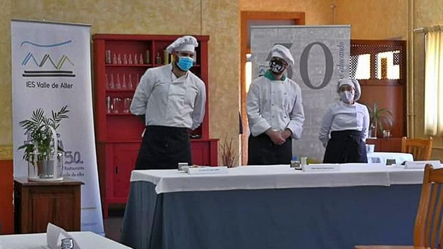 El estudiante Enrique Rodríguez gana el concurso de cocina de los Nabos