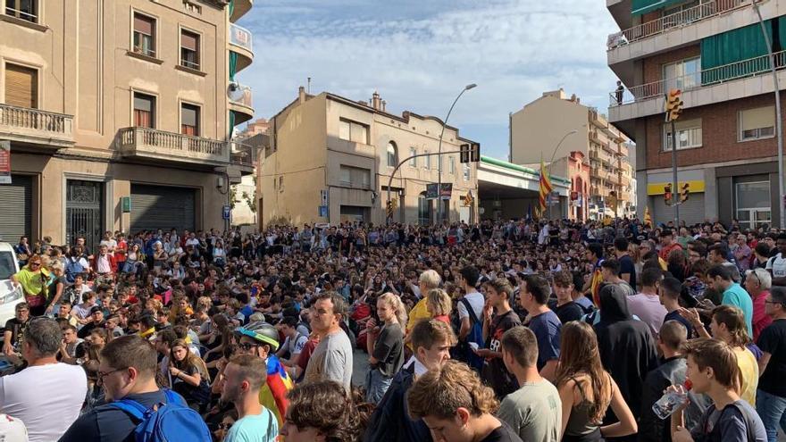 Respostes a la sentència: manifestació davant la caserna de la Guàrdia Civil