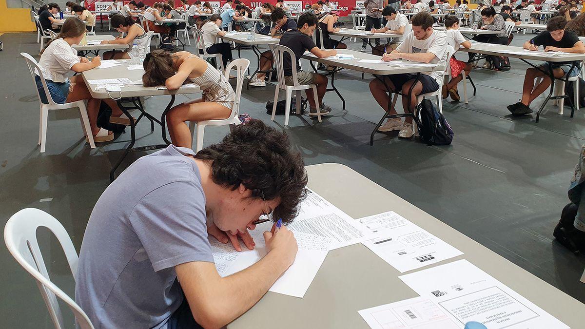 Estudiantes de Bachillerato se enfrentan a los exámenes de Selectividad en Galicia.