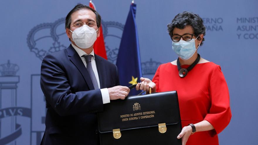 Arantxa González Laya entrega la cartera de Exteriores a José Manuel Albares