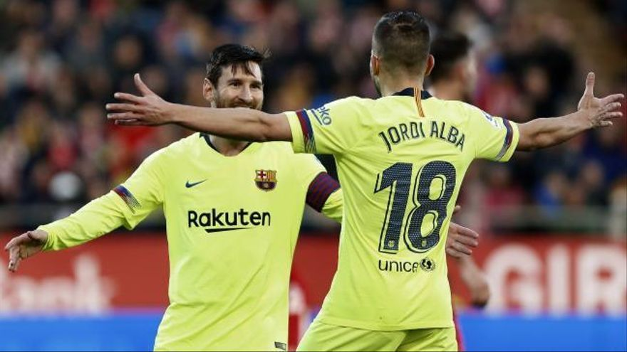 El Barcelona derrota con sufrimiento al Girona y consolida su liderato