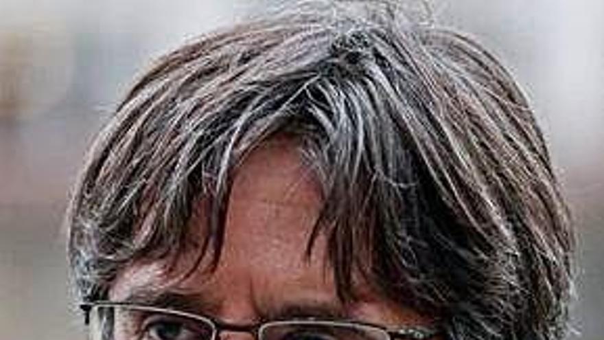 Puigdemont proposa a Dolors Montserrat fer un debat «complet» sobre Catalunya a l'Eurocambra