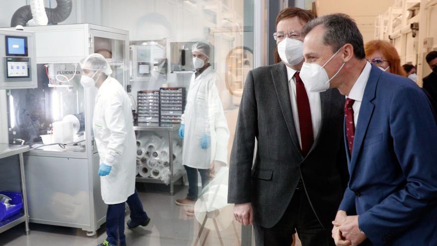 """Duque avanza que """"en pocos meses"""" empezarán las pruebas de la vacuna española"""