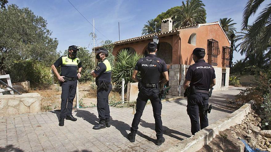 Investigan una organización que ocupa viviendas en Alicante y luego las oferta