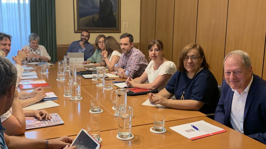 La Alcaldesa remodela su gobierno con Natalia González en Educación, Manuel Ángel Vallina en Cultura y Dolores Patón en Urbanismo