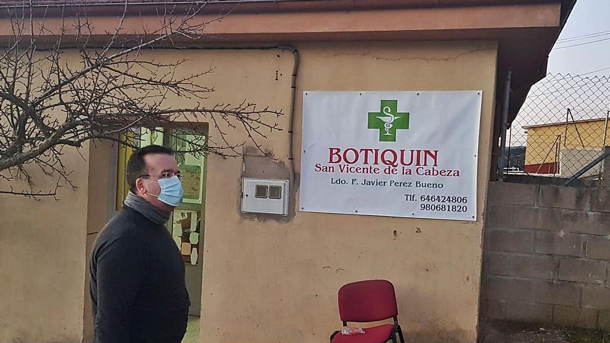Botica abierta en San Vicente de la Cabeza.