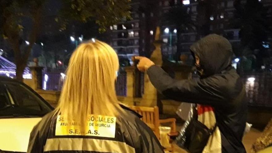 La 'Operación Frío' atiende a 7 personas en su arranque en Murcia