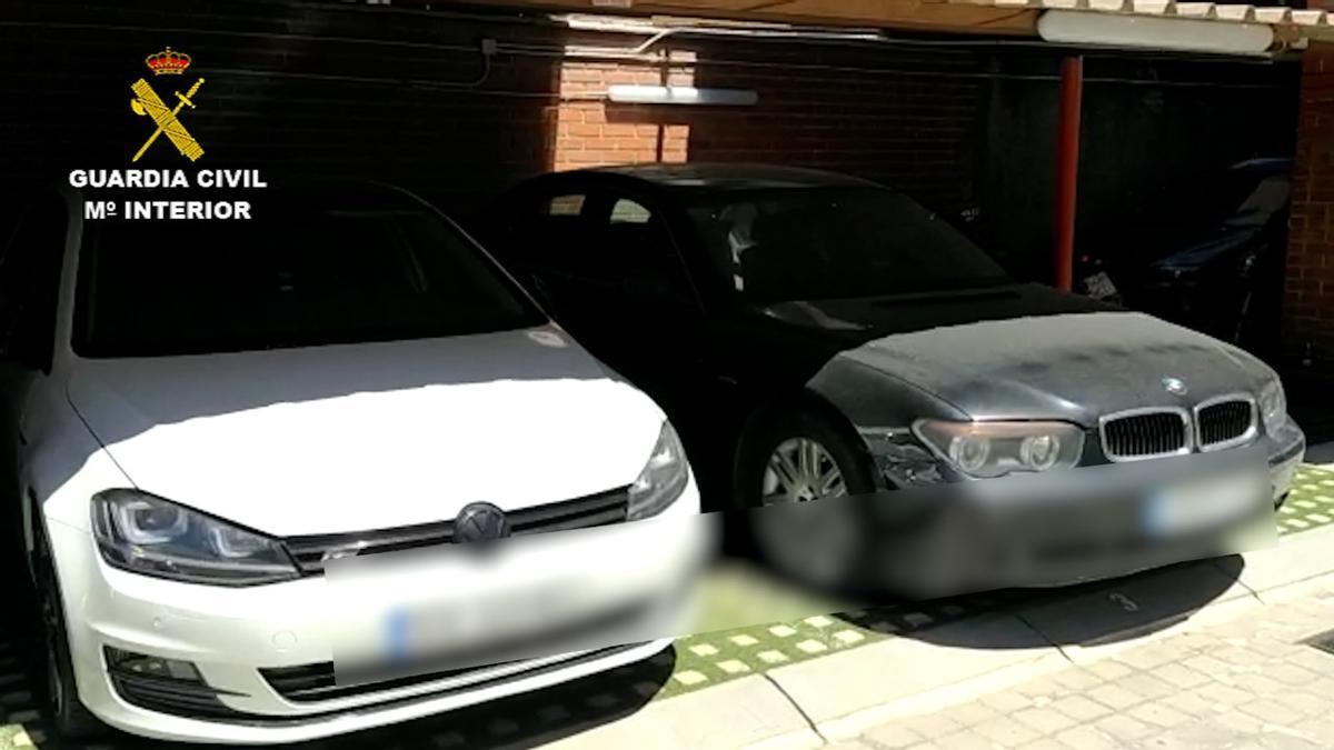 Dos de los vehículos intervenidos.