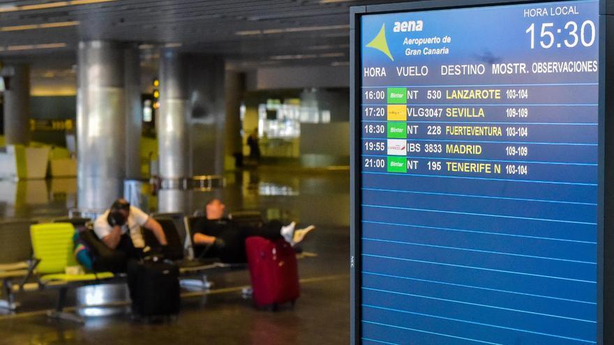 Canarias presentará un plan con incentivos a Bruselas para recuperar rutas aéreas