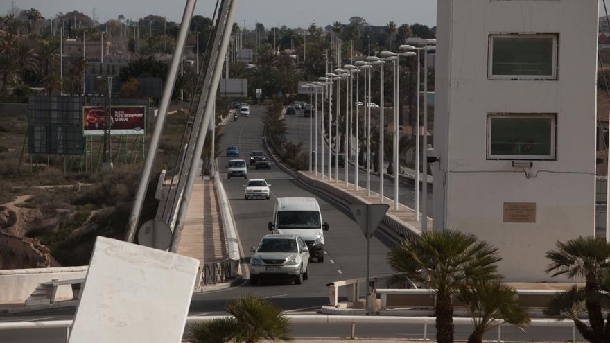 La impermeabilización de 20.000 m2 de superficie en las obras de la Avenida del Bimilenari, un error según Margalló