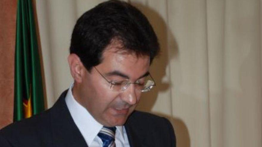 Dimite el vicepresidente del cabildo palmero  y abre una fisura  en el PSOE