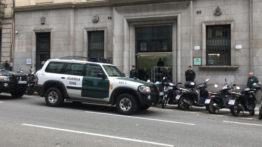 La Guardia Civil registra la Autoridad Catalana de la Competencia