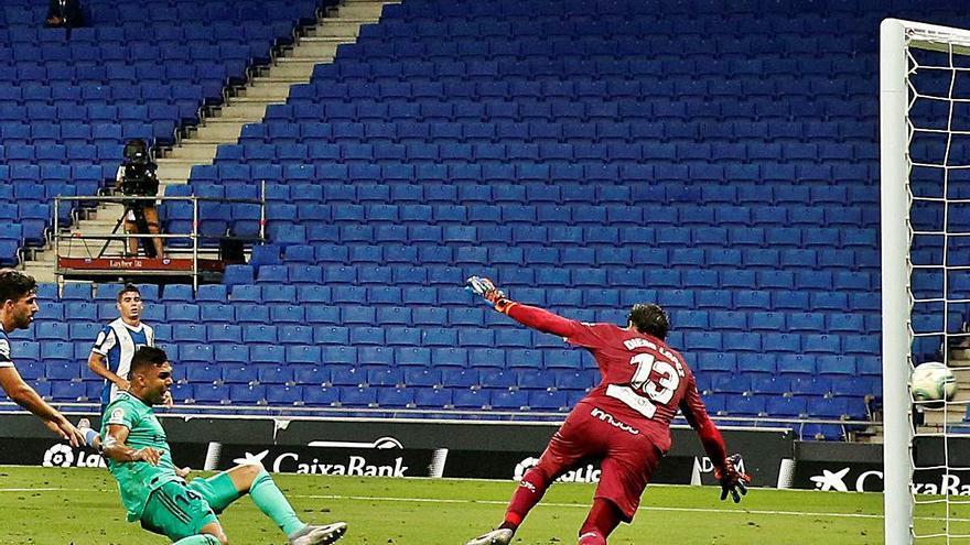 Casemiro impulsa el Madrid i enfonsa una mica més a Segona l'Espanyol