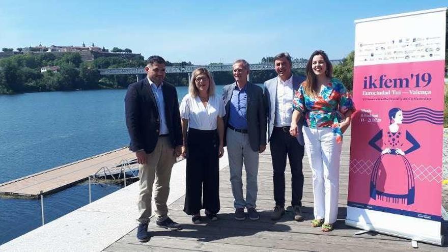 El puente internacional de Tui acogerá durante el IKFEM un desfile de Ágatha Ruiz de la Prada