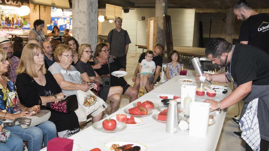 El Sopar del Tomàquet recollirà aliments per a la Xarxa de Suport Mutu de Manresa
