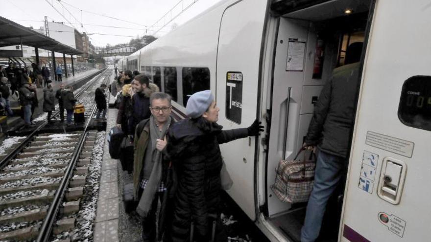 Las obras para la llegada del AVE a Lena obligan a regular el tráfico de los trenes
